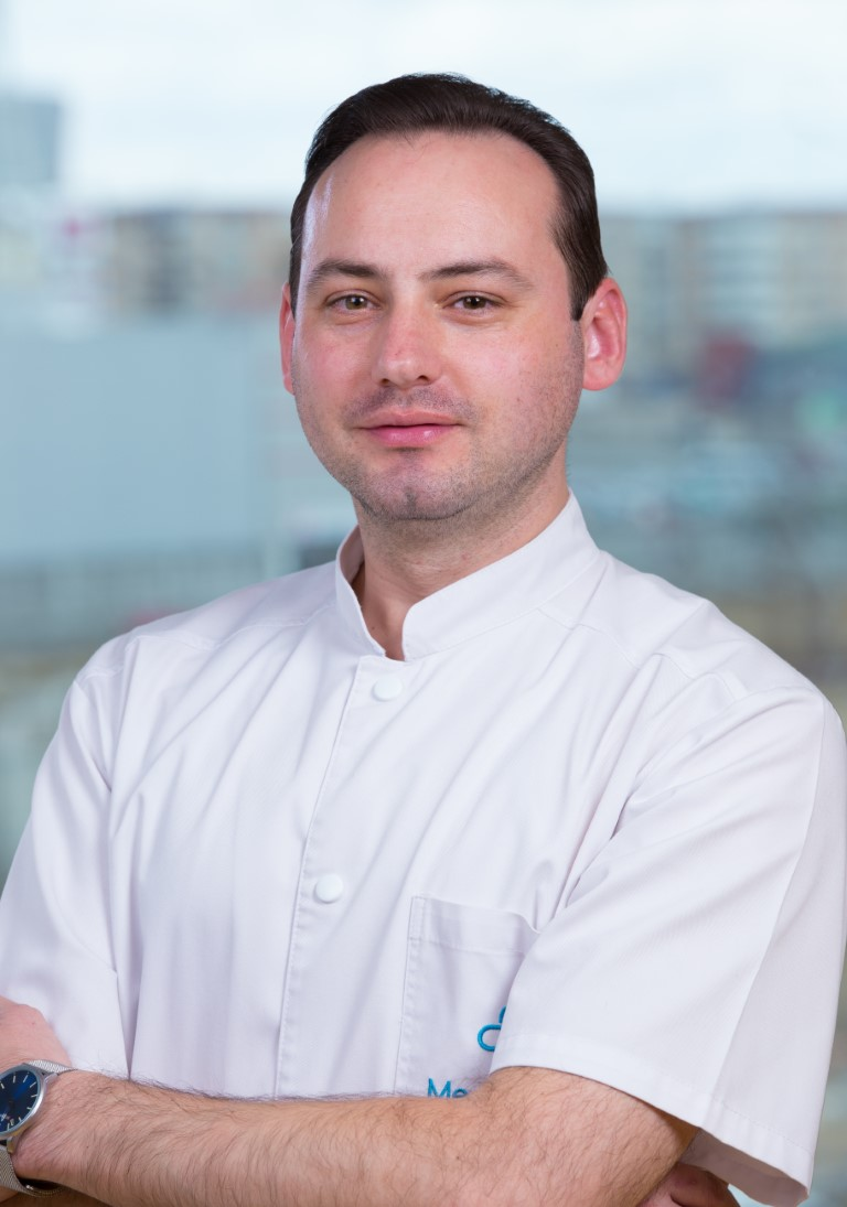 dr. Georgel Godja (Medium)