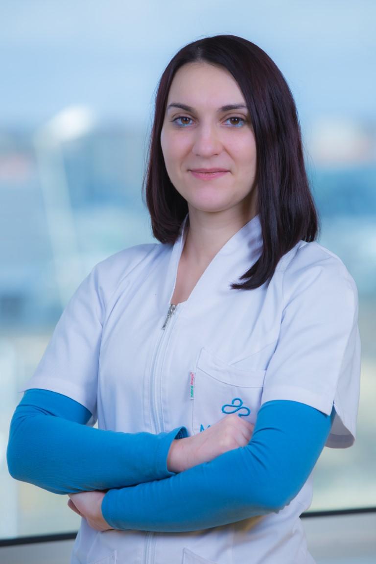 dr. Lucia Enciu (Medium)