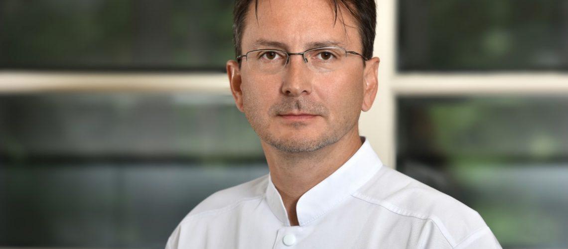 Bogdan Angheloiu, director medical (Medium)