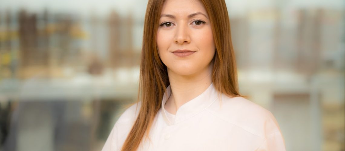 Dr. Alexandra Zlate